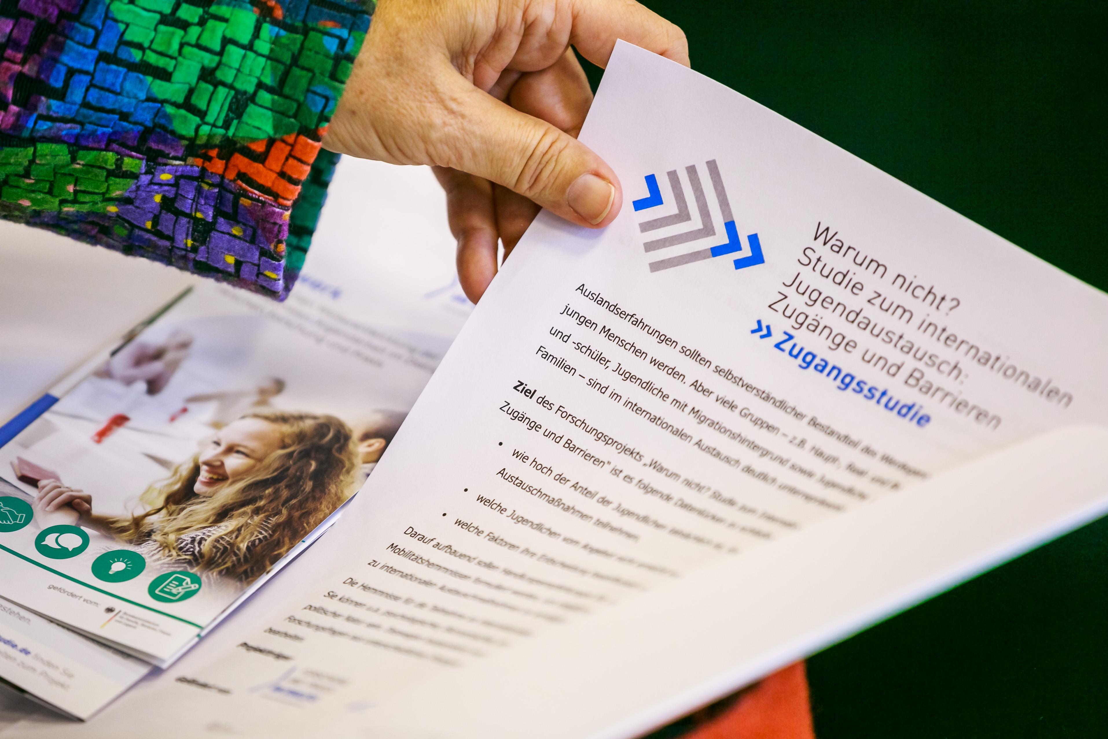 Erfreut Konferenz Flyer Vorlage Galerie - Entry Level Resume ...